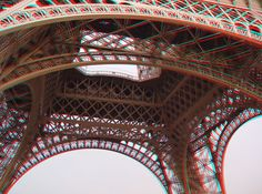 The span of the Eifel Tower - Paris - red blue anaglyph