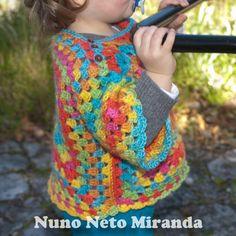 Fotografia/Photos Nuno Neto Miranda     Fiz esta camisola em crochet para acabar com o resto d...