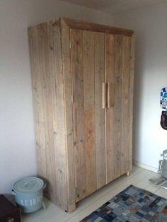 Steigerhout Kast Sindre - Steigerhout Furniture | Unieke steigerhouten meubelen & tuinmeubelen op maat gemaakt!