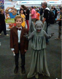 I would consider having children just for this Halloween duo costume. Don't Blink!