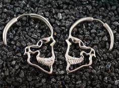 Skull earrings #theskullcompany #skull #skulls #череп #черепа #kafkë#koponya #sọ #kranium #cranio #cráneo #두개골#Schädel #лобања #kafatası #lebka #skalle #頭蓋骨#мирчерепов #harleydavidson #harleydavison #hardstyle #hardcoreladies #bikers #hardcore #drift #motorcycle