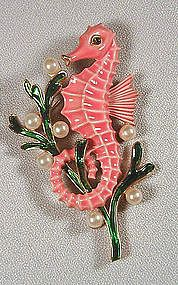 A beautiful vintage Trifari seahorse brooch. #vintage #jewelry #brooches