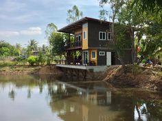 Modern Bungalow House, Modern House Design, Loft House, House Rooms, Cabana, Outdoor Restaurant Design, Thai House, Retreat House, House On Stilts