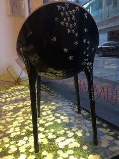 Kartell chair with Sandro Cabrini handmade paint... OMG!