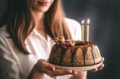 Bezlepková maková bábovka chutí fantasticky! Je vláčna, jemná a chutná ako žiadna iná! :) Túto bábovku robievam pravidelne a vždy sa na ňu nesmierne teším. Korat, Birthday Candles, Cake, Lemon, Kuchen, Torte, Cookies, Cheeseburger Paradise Pie, Tart