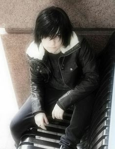 Most accurate Nico di angelo cosplay I've seen. If i meet this person who looks exremely like nico, he will marry me!!!