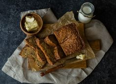 The bread maker can come in handy to get rid of those ripe bananas. Here is a delicious healthy banana bread recipe. Grandma's Banana Bread Recipe, Bread Machine Banana Bread, Moist Banana Bread, Gluten Free Banana, Bread Machine Recipes, Healthy Banana Bread, Rye Bread, Corn Bread, Pumpkin Bread