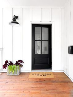 62 Most Beautiful Modern Farmhouse Front Door Entrance Ideas > Fieltro. Front Door Entrance, Entry Doors, Entrance Ideas, Door Ideas, Entryway, Farmhouse Front, Modern Farmhouse, Farmhouse Layout, Black Front Doors