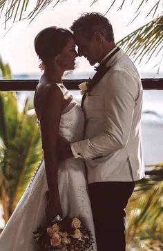 ¿Cuáles son los mejores hoteles para casarse en 2020? Para los más urbanitas, Madrid es el destino perfecto. En el #BarcelóEmperatriz podréis celebrar una ceremonia acogedora con los más íntimos y en el #BarcelóTorreDeMadridpodréis acabar el gran día viendo el amanecer en el Templo de Debod, a tan sólo 10 minutos andando. ¡Haced clic en la imagen para conocer más destinos! #WeddingTypes #UrbanWeddings #BodasUrbanas