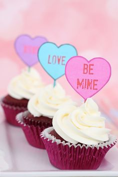 Conversation heart free printable Valentine's Day cupcake topper