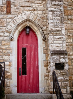 Love the red and the narrow entry.