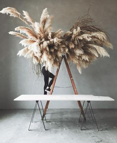 We are DYING over this Pampas Grass cloud installation! This is the perfect decor piece that your head table needs looming above! Boho Wedding, Floral Wedding, Grass Decor, Fleur Design, Flower Installation, Event Styling, Dried Flowers, Big Flowers, Floral Arrangements