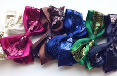 Festive Holiday Hair Bows 42% off at Groopdealz