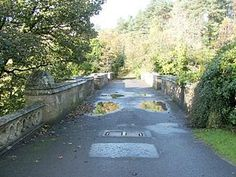Overtoun Bridge - Wikipedia