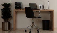 Byg et flot skrivebord af én Scandiwood bordplade. Få en enkel trin-for-trin vejledning her!
