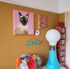 Beautiful Cat Portrait made by Machteld Schouten Painting Art, Villa, Wall Decor, Interiors, Interior Design, Portrait, Cats, Beautiful, Instagram