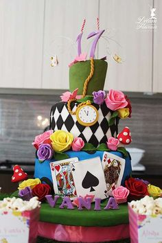 Birthday Party Ideas Sweet 16 Alice In Wonderland 49 Super Ideas Alice In Wonderland Birthday, Alice In Wonderland Tea Party, Tea Party Birthday, Cake Birthday, Birthday Nails, Birthday Crafts, Birthday Ideas, Mad Hatter Tea, Mad Hatters