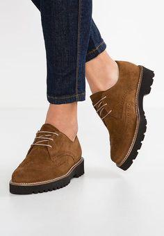 d38205f7e8847 84 mejores imágenes de calzado cómodo   Shoe boots, Flat Shoes y ...