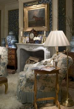 40 Gorgeous French Country Living Room Decor Ideas - Popy Home English Cottage Style, English Country Decor, French Country Living Room, French Country Decorating, English Style, Country French, French Style, French Living Rooms, English Cottages