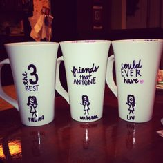 Successful homemade best friend mugs! #merry #christmas Diy Best Friend Gifts, Best Friend Christmas Gifts, Best Friend Day, Birthday Gifts For Best Friend, Bff Gifts, Gifts For Friends, Christmas Ideas, Merry Christmas, Diy Arts And Crafts