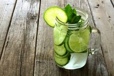Mix & Match Ingredients For Your Detox Waters Mix & Match Detox Water IngredientsMix & Match Detox Water Ingredients Natural Detox Water, Detox Water For Clear Skin, Easy Detox, Healthy Detox, Healthy Water, Diet Detox, Healthy Eating, Detox Foods, Cleanse Diet