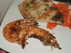 Cinco sentidos na cozinha: Espetadas de camarão grelhado com pão de alho e ervas