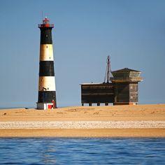 Pelican Point lighthouse. #walvisbay #swakopmund #namibia #africa #lighthouse #pelicanpoint #sea #sky #beach #outdoor #travel #ic_landscapes #ig_worldclub #igworldclub #bs_world #bestnatureshot #beautifuldestinations #globe_travel_ #ig_africa #instatravel #outdooradventurephoto #igs_africa
