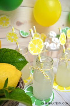 Festa a tema limoni & lime - Caseperlatesta Lemon inspired party: free printable Birthday Party Decorations Diy, Birthday Party Themes, Yellow Party Decorations, Baby Birthday, First Birthday Parties, 38th Birthday, Pink Lemonade Party, Mini Wine Bottles, Lemon Party
