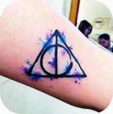 Hey gente!Hoje, estava procurando, algumas tatuagem, porque irei fazer minha primeira tatuagem esse ano,e, estava pesquisando algumas do tema HARRY POTTER, e resolvi mostrar para vocês as minhas pr…