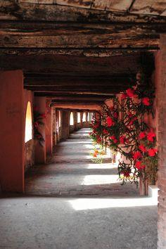 Via degli Asini (14th Century) in Brisighella by tango-, via Flickr.