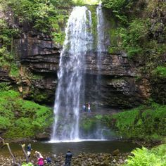 Henrhyd waterfall, the highest in the Brecon Beacons - Evie hates heights Best Places To Camp, Places To Visit, Places Around The World, Around The Worlds, Cymric, Welsh Recipes, Brecon Beacons, Devon England, Family Days Out
