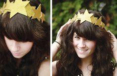 DIY: Glitter Star Crown. A gift for Christmas day dinner/game winner?