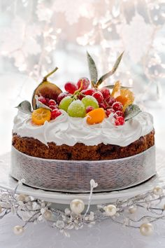 Fresh Fruits for a Gorgeous cake!