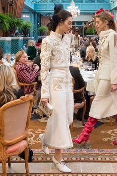 Chanel Pre-Fall 2017 Fashion Show