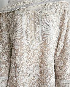 Pakistani kurta by Rizwan Beyg, who also dressed princess Diana for her Pakistan-tour. Indian Suits, Indian Attire, Indian Dresses, Indian Wear, Pakistani Couture, Pakistani Outfits, India Fashion, Trendy Fashion, Gowns