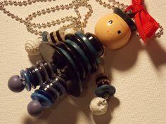 Vintage Blue Button Baby Doll Necklace. $50.00, via Etsy. Button Art, Button Crafts, Safety Pin Crafts, Button Ornaments, Button Necklace, Mosaic Crafts, Button Flowers, Bijoux Diy, Kids Jewelry