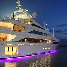 A deck for me and you, and a deck for the kids. #YachtWorldCharters #YWC #AmazingBoats