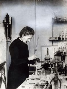 Marie Curie (whose husband was the famous homeopath, Pierre Curie, who was the… Pierre Curie, Der Richter, Famous Speeches, Nobel Prize Winners, Photo Vintage, Physicist, Jolie Photo, Women In History, Old Photos