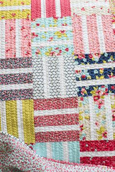 Free baby quilt tutorial for the beginner quilter. Free quilt pattern by   Emily of Quiltylove.com for Craftsy. Make an easy baby quilt with this   tutorial. #babyquilt #freequiltpattern #easyquiltpattern