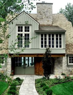 Do You Want Modern Farmhouse Style In Your Exterior? If you need inspiration for the best modern farmhouse exterior design ideas. Our team recommends some amazing designs that might be inspire you. We hope our articles can help you. enjoy it. Design Exterior, Exterior House Colors, Stone Exterior, Exterior Homes, Exterior Cladding, Exterior Paint Colors For House With Stone, Exterior Windows, Stone Siding, Metal Siding