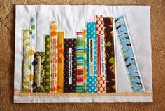 books patchwork would make great placemats Quilting Tutorials, Quilting Projects, Quilting Designs, Sewing Projects, Small Quilts, Mini Quilts, Patch Quilt, Quilt Blocks, Foundation Paper Piecing