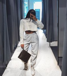 END Clothing – Champion Reverse Weave Women's Cuffed Sweat Pant Grey sweatpants Chill Outfits, Sporty Outfits, Mode Outfits, Trendy Outfits, Fashion Outfits, Womens Fashion, Athleisure Outfits, Fashion Killa, Look Fashion