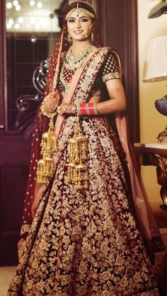 Looking for Bridal Lehenga for your wedding ? Dulhaniyaa curated the list of Best Bridal Wear Store with variety of Bridal Lehenga with their prices Wedding Lehnga, Indian Wedding Gowns, Desi Wedding Dresses, Indian Bridal Outfits, Indian Bridal Lehenga, Indian Bridal Fashion, Indian Bridal Wear, Indian Dresses, Bridal Dresses
