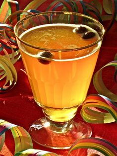 Siima home made drink in Finland,as strong as needed Vappu! Finland Food, Finnish Recipes, Scandinavian Food, How To Make Drinks, Food Articles, Non Alcoholic, Holiday Parties, Food And Drink, Cooking Recipes