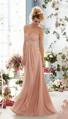 This would be pretty for an autumn/winter wedding and if it were going to be a fancier wedding.