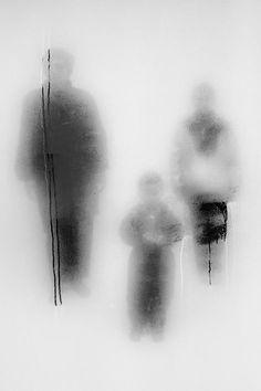© John Batho, Présents et absents.