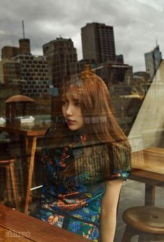Suzy took to the streets of Melbourne, looking gorgeous for the September issue of Allure. Although it seems odd that she's wearing winter coats, we also know that's how the fashion ind… Asian Actors, Korean Actresses, Actors & Actresses, Classy And Fabulous, Looking Gorgeous, Beautiful, Asian Woman, Asian Girl, Miss A Suzy