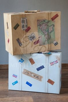 Βαλίτσα βάπτισης για αγόρι δερματίνης σε vintage travel θέμα