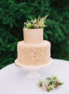 The peach wedding cake. Click on the image to see our full gallery of this real wedding from Cotswolds.