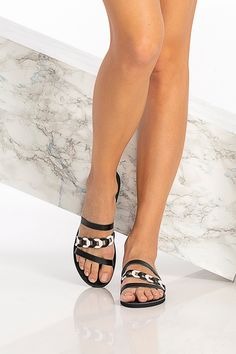 Harmonia sandals are handmade of top quality leather feature one asymmetrical strap with our signature woven technique and two thin plain straps that beautifully frame the feet. Their minimalist style will go with practically everything, so wear them with denim and dresses alike. The flat sandals come in 5 versatile colors: black with white, black, blue (nubuck) with gold, camel (waxed nubuck), and white with silver details. Greek Chic Handmades summer shoes for Women are handcrafted in… Boho Sandals, Greek Sandals, Open Toe Sandals, Flat Sandals, Leather Sandals Flat, Summer Outfits Women, Minimalist Style, Summer Shoes, Denim